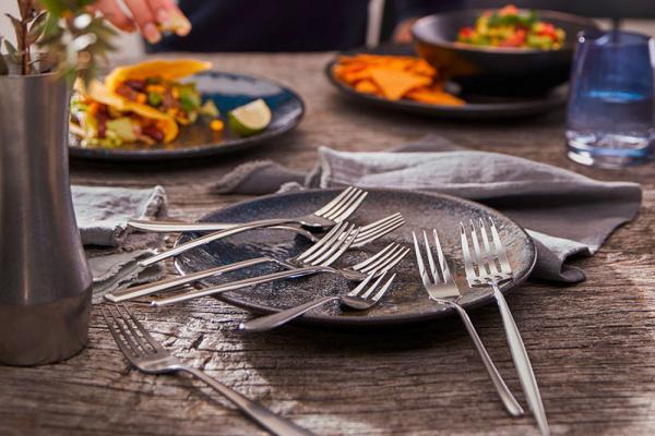 THE NEW EASY - Neue Welten der Tischkultur